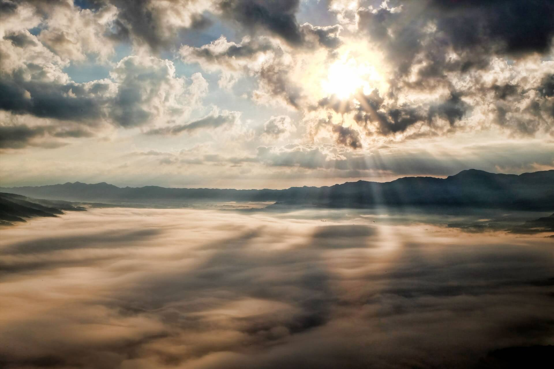 light-sun-cloud-japan-45848.jpg